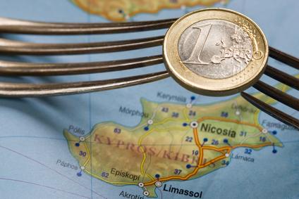 Cipru ridica restrictiile de transferuri externe si control valutar